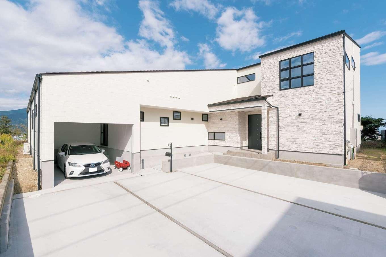 納得住宅工房【子育て、高級住宅、間取り】強固な耐震構造+制震ダンパー(標準仕様)で地震対策も万全。外壁のALCは断熱・調湿・防火・遮音性にすぐれる