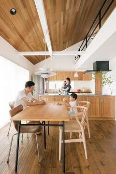 北欧スタイルの美的リノベで家事も育児も快適な空間に
