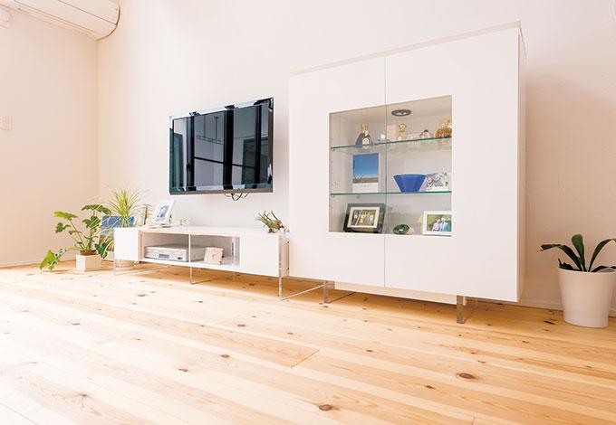 アトリエサクラ【デザイン住宅、収納力、間取り】家具は見せながら収納できるものをチョイス