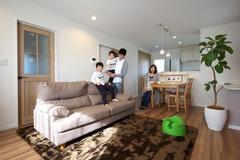 土地の購入から実現した 憧れの南欧風新築住宅