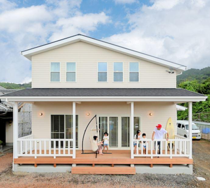平日も見学できます!『カリフォルニアの風を感じるサーファースタイルの家』 見学予約受付中!