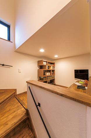 クローバーハウス 【収納力、趣味、インテリア】スキップフロアを設けることで、光や風も抜ける開放的な空間に