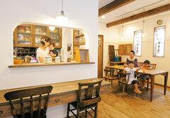 アンティーク雑貨が映える カフェのような雰囲気の家