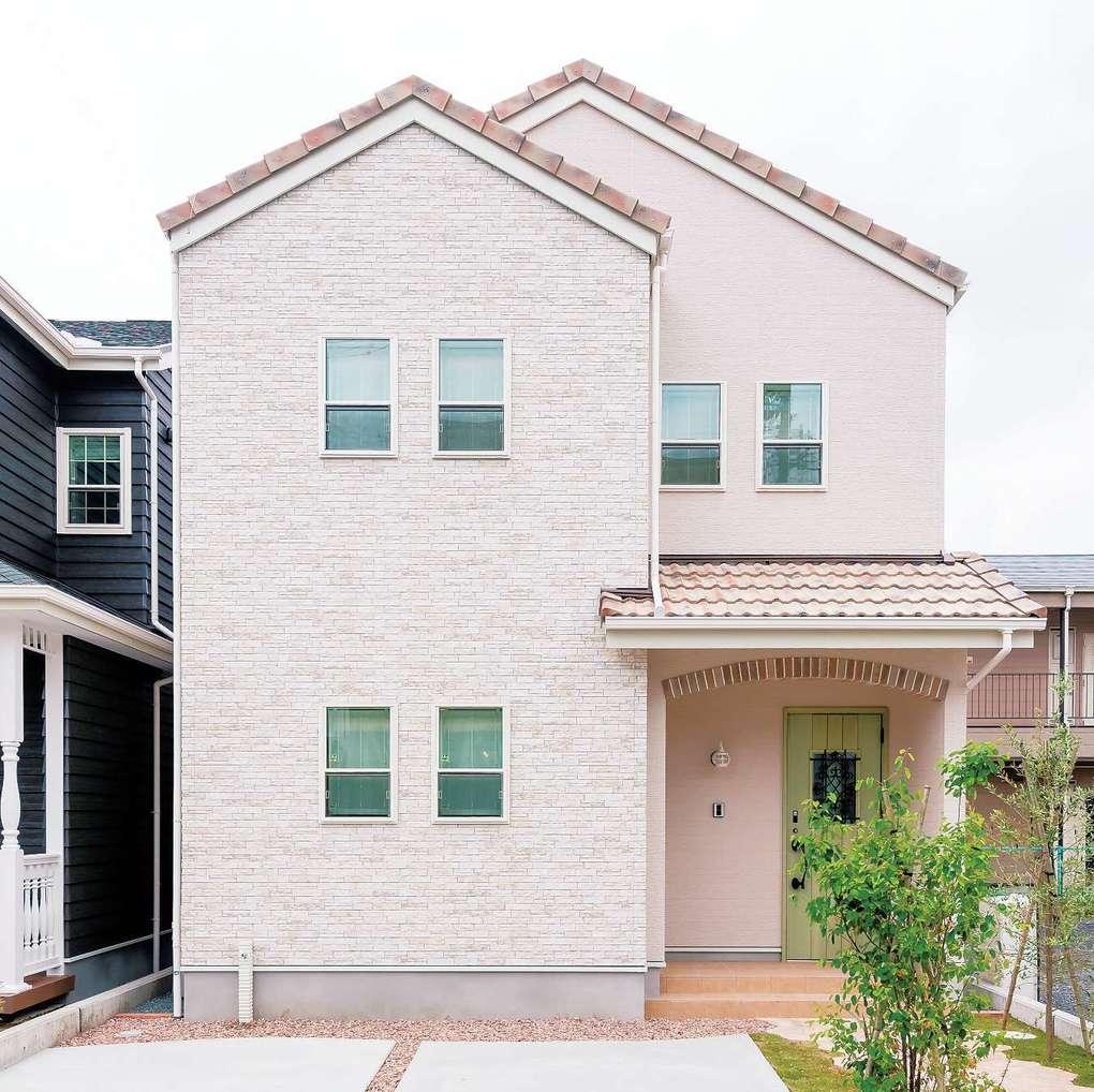 三和建設【デザイン住宅、子育て、間取り】ナチュラルな南欧風のデザインは奥さまのお気に入り