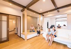 6人家族が仲良く快適に機能性とセンスが光る家