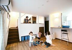 「ひとクセ」が私たちらしさ。個性あふれる五層構造の家