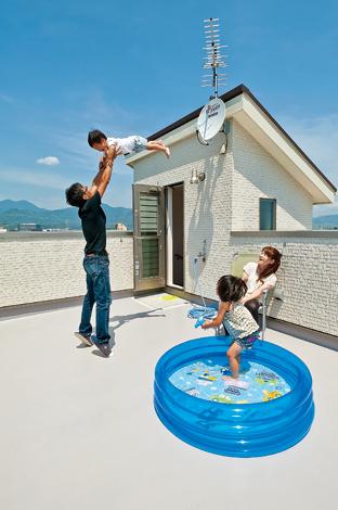 360度のパノラマが楽しめる屋上バルコニーのある家