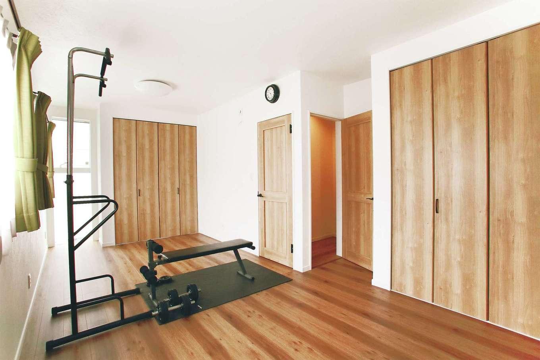 子ども部屋は2部屋続き。成長するまではご主人のトレーニングルームに