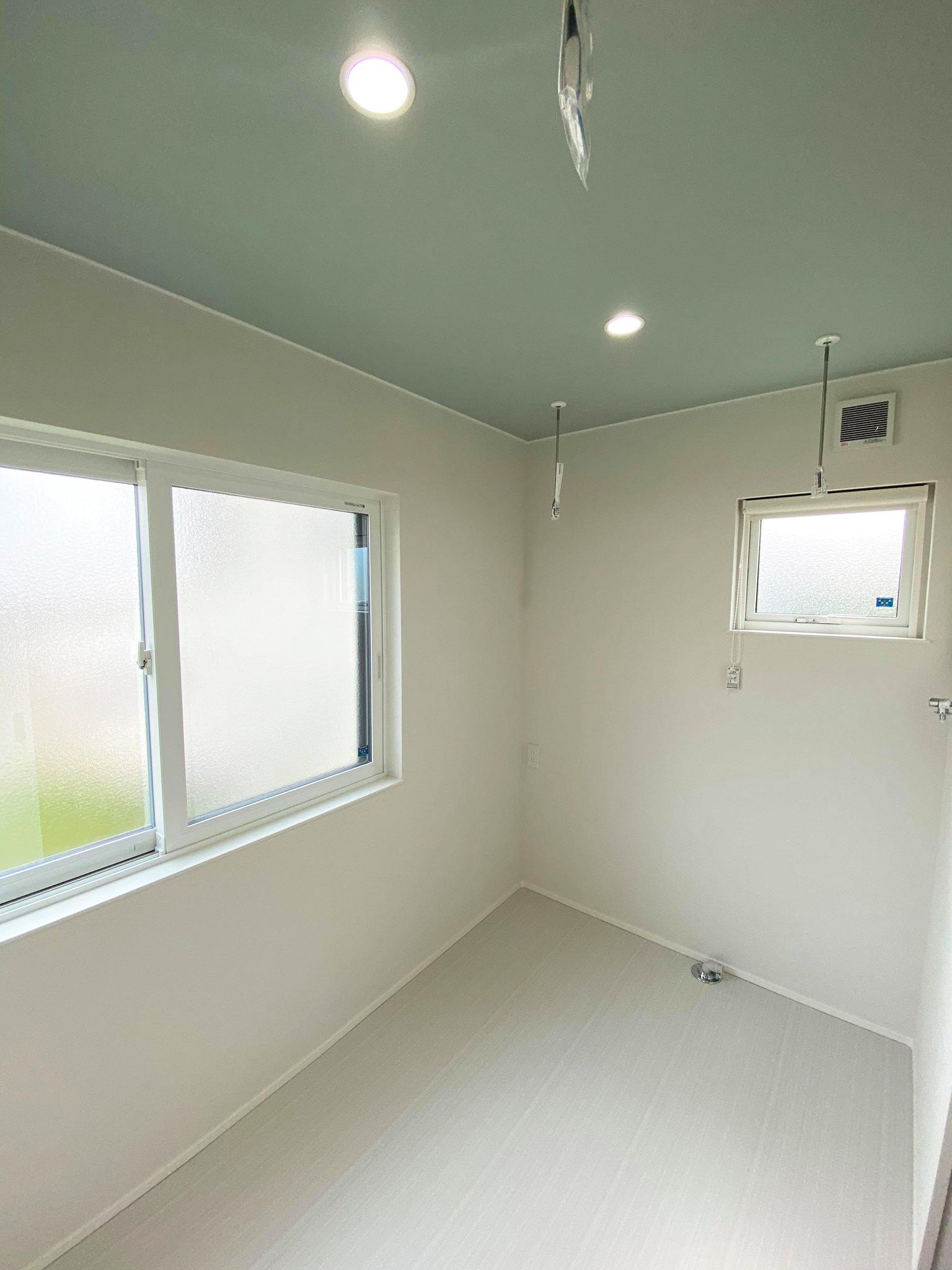「洗う・干す・畳む」の流れが完結できる専用ランドリールーム