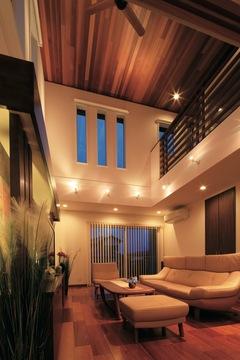 高級旅館の癒しと開放感 和と洋が響き合う大屋根の家