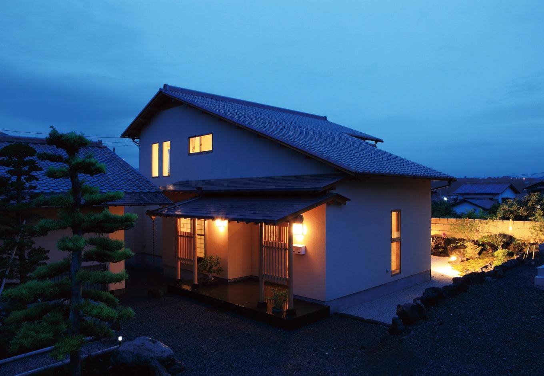 住宅工房 アリアンス【デザイン住宅、和風、高級住宅】匠の熟練技を要する一文字瓦を採用した大屋根の外観