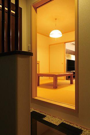 住宅工房 アリアンス【デザイン住宅、高級住宅、間取り】小上がりの和室。玄関からリビングを通らずに出入りできるので、ゲストも安心して宿泊できる
