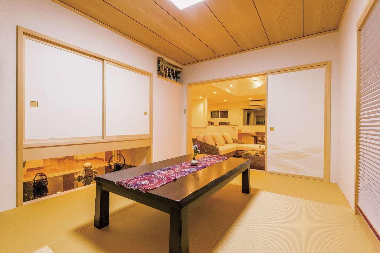 住宅工房 アリアンス【デザイン住宅、省エネ、高級住宅】和室は吊押入れを取り入れることで視線が対角線に伸び、狭く感じない過ごしやすい空間になる