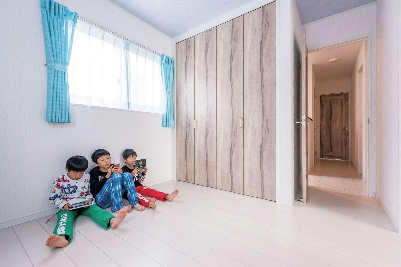 IDK 住まいの発見館【1000万円台、子育て、間取り】子どもたちの遊び部屋。勉強は1階でと決め、2階はのびのび遊ぶスペースに