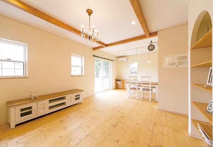 オリジナル家具が素敵な『kitol』の家具をチョイス。家や家具はもちろん、ライフスタイルもコーディネートするのが『kitol 住宅部』の家づくりだ