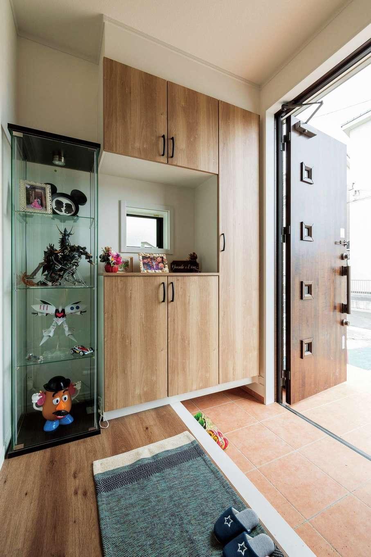 ハウテックス【1000万円台、子育て、間取り】玄関には靴箱とは別に土間収納も設け、三輪車やベビーカーも家の中にサッとしまえる