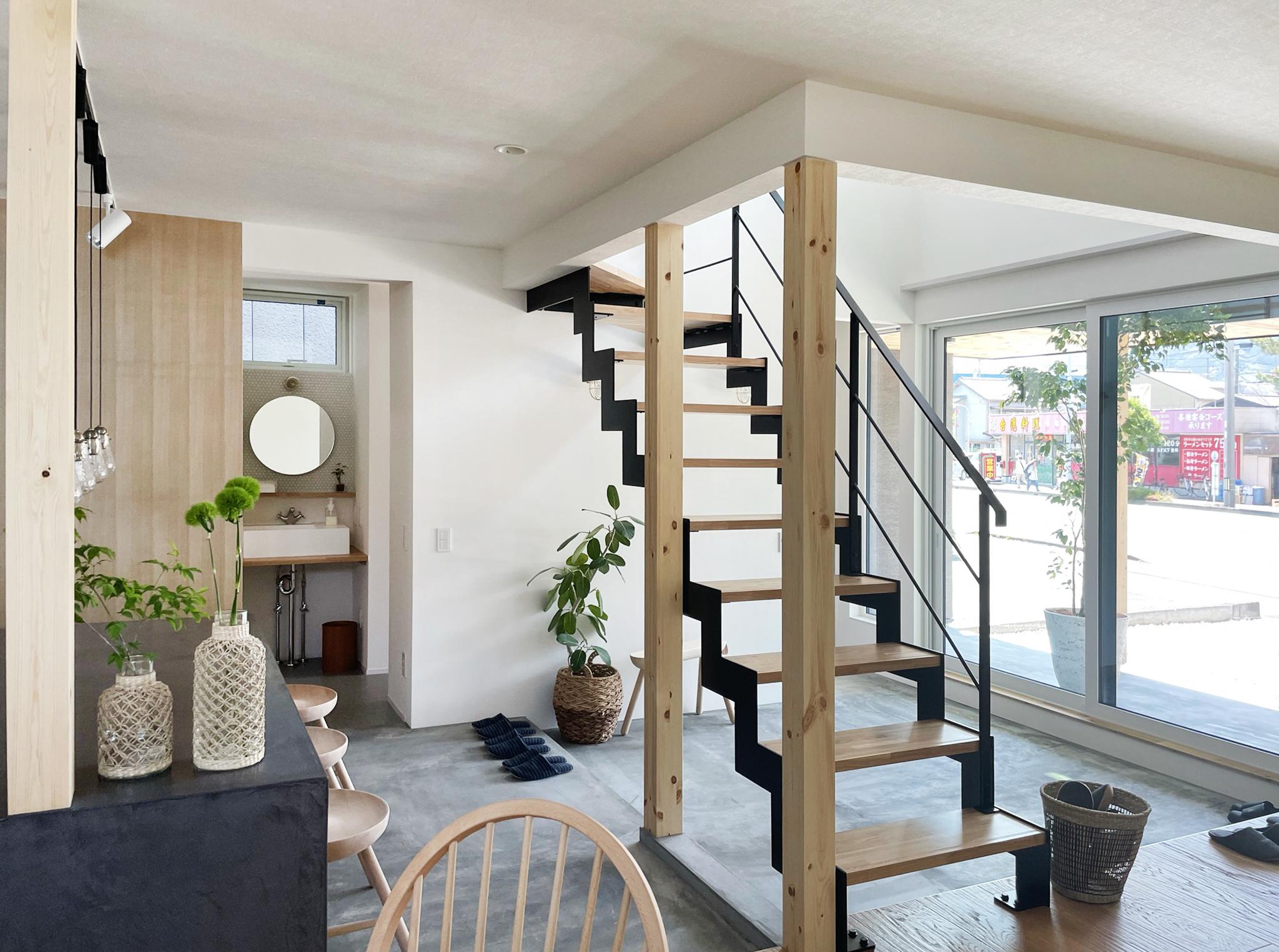 """R+house「長期優良住宅」の性能を""""遥かに超える""""高性能住宅を「低コスト」で実現します。"""