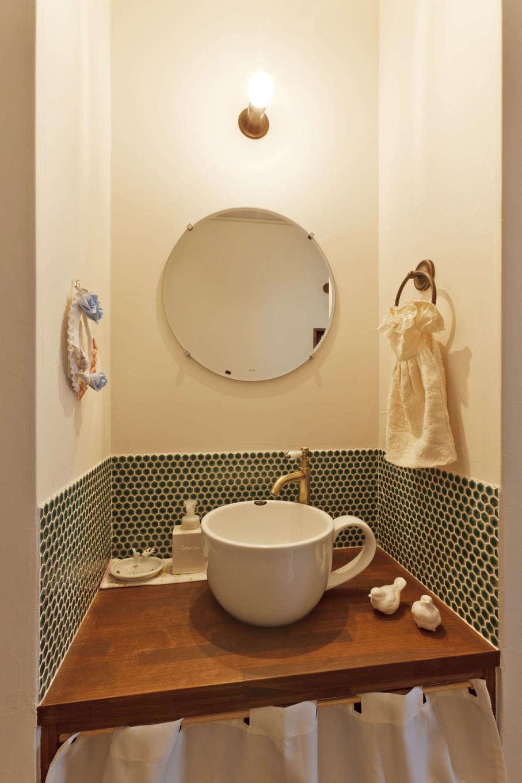 アスカ工務店【子育て、自然素材、間取り】玄関先の手洗いコーナー。子どもが帰って来たらまず手洗い・うがいの習慣を