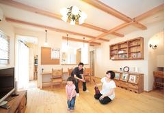 たっぷり&使いやすい収納と自然素材を等身大で実現!