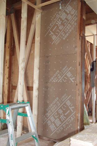 エコフィールド|耐震性を上げる為の壁補強施工状況