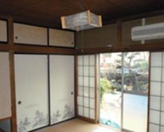 庭に面した和室。国産無垢材で広々としたリビングへ大改修