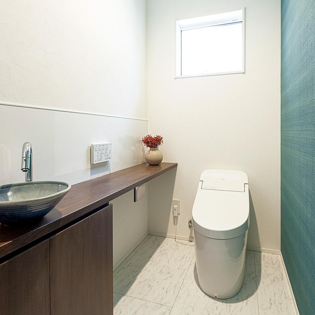 コーディネートされたトイレ空間