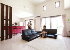 デザインと暮らしやすさを両立したモダンな平屋建て