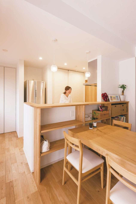 芹工務店【子育て、省エネ、間取り】キッチンは手元が見えない高さに設定