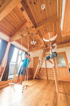 富士山の眺望を楽しむ 畳小上がりのダイニング