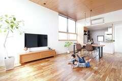 手仕事と洗練が溶け合う、大工&設計士と一緒に建てた家