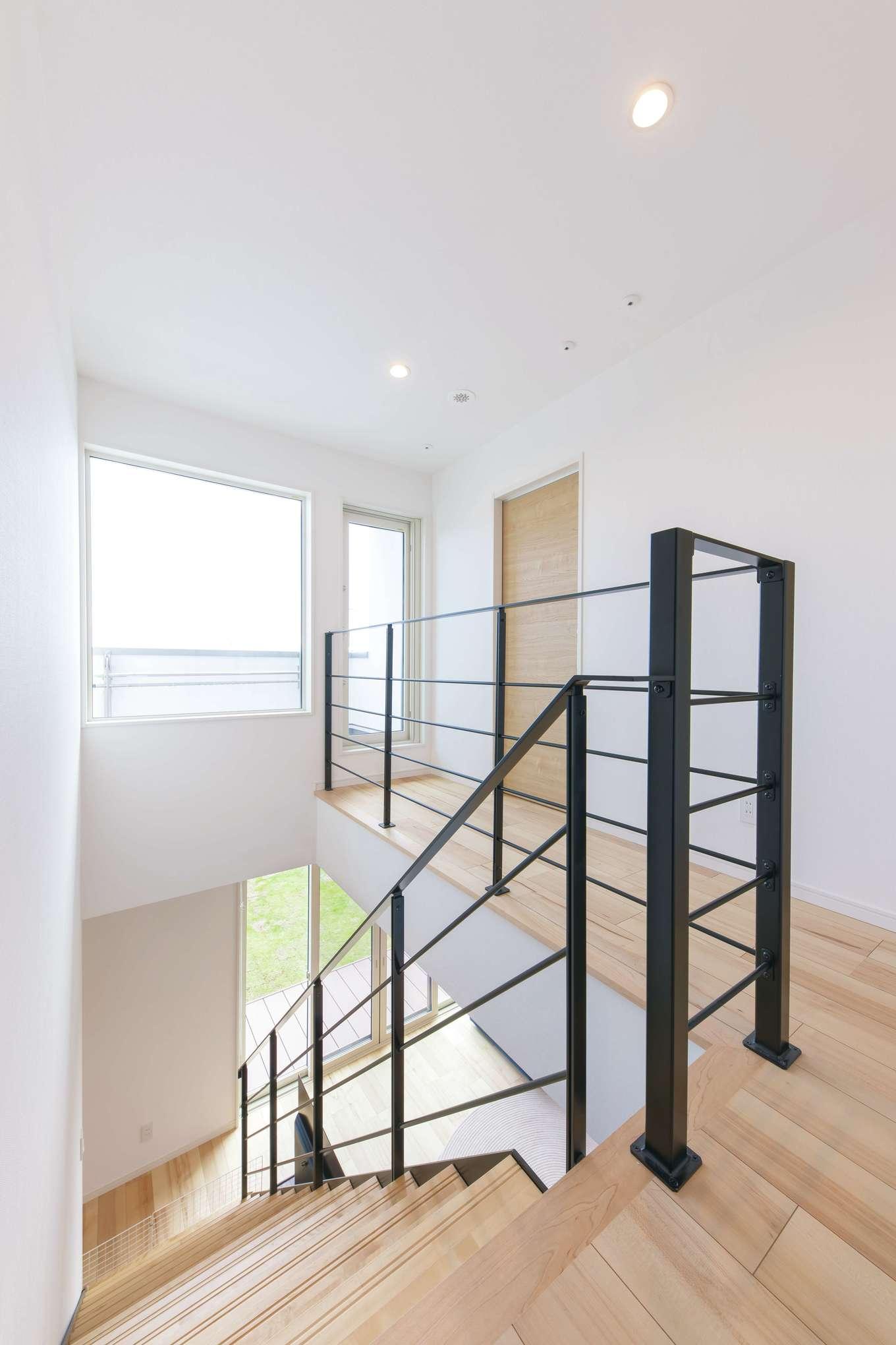 2階の部屋干しスペース。浴室と洗面脱衣室を2階に配置したことで、1階LDKを広く確保することができた