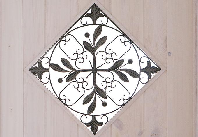 富士ホームズデザイン【デザイン住宅、輸入住宅、自然素材】Sさんが選んだガラスとアイアンを組み合わせたオリジナルのデザインドア