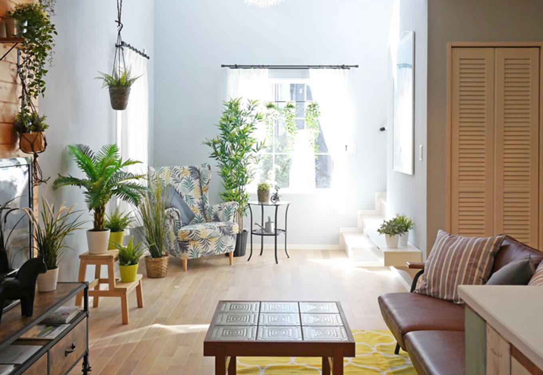 Sanki Haus(サンキハウス)静岡三基【デザイン住宅、自然素材、省エネ】吹抜け下にあるスペースは明るく華やかで、この家のテーマにもなったサマーハウスをイメージしている