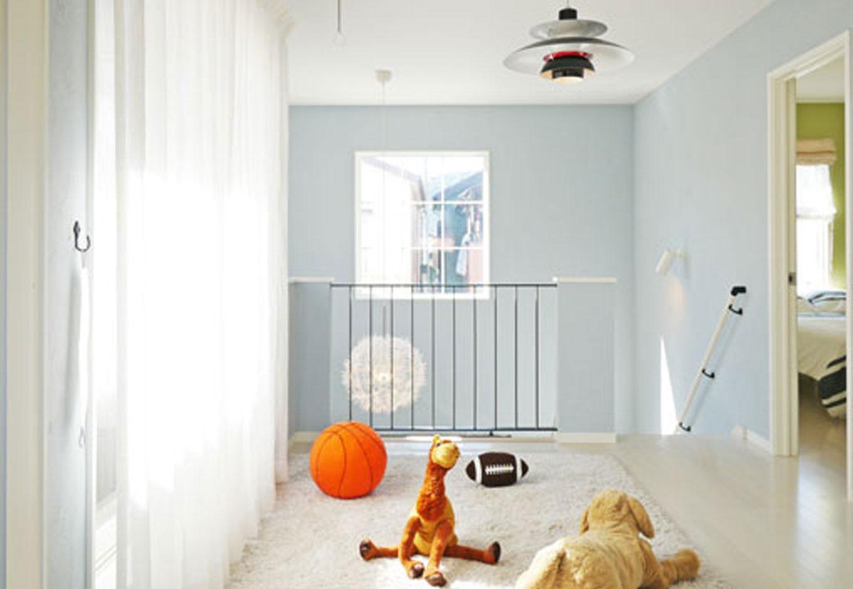Sanki Haus(サンキハウス)静岡三基【デザイン住宅、自然素材、省エネ】階段を上るとそこは約6畳のフリースペースがある。子供部屋の一つと続きとして使える多目的スペースだ
