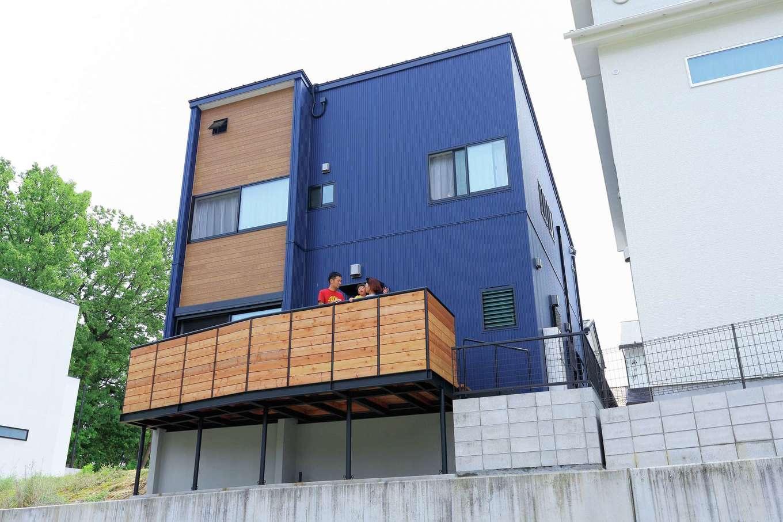 小幡建設【デザイン住宅、収納力、省エネ】見晴らしが良く、観覧車と春には桜を望むことができる