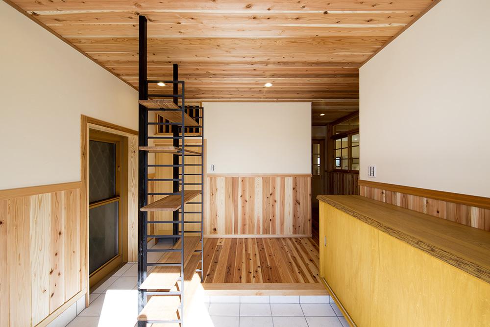 トーモク【子育て、収納力、自然素材】広々な玄関。シューズクロークは『トーモク』が造作