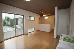 新しいお家に、お家賃並みで暮らせます! 静岡市葵区東2丁目 3LDK+小屋裏収納+P2台 新築住宅 販売会
