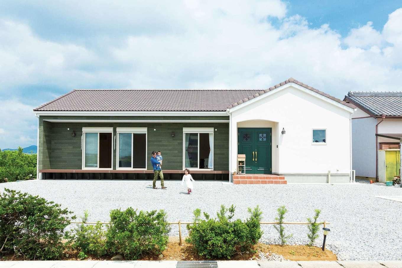 平屋建てで子育て夫婦の家事も楽々 輸入クロスがかわいいデザイン住宅