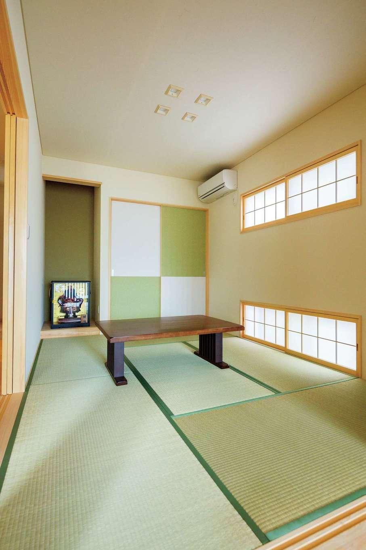 福工房【二世帯住宅、自然素材、スキップフロア】和室は奥さまの好きなグリーンでまとめた。床の間部分の天井のクロスに変化をつけるなど、細部までていねいに吟味