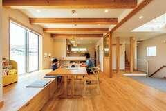 北欧×自然素材の大空間を叶えた 優れた住宅性能と造作の技術