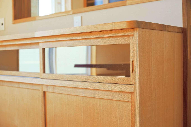 仲田工務店【収納力、自然素材、間取り】イメージ 家の中の家具や建具はすべて木の温もりを感じる造作で。縁の面取に職人の優しさを感じる