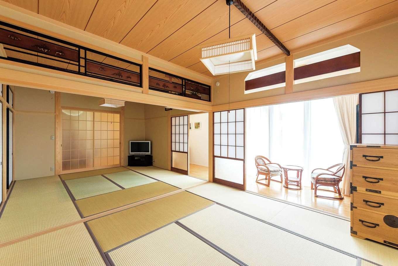 西川建設~Life is Dream~【和風、二世帯住宅、間取り】親戚や近所の人たちの集会場として使われる8畳二間の和室。欄間・竿縁は元の家にあったものを活かした