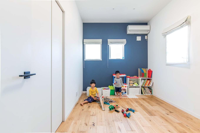 ハートホーム【デザイン住宅、子育て、ガレージ】子ども部屋はリビングのすぐ隣。いつでも家族を近くに感じる