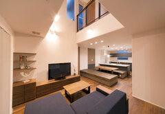 家事ラクとおもてなしを両立した 全館空調の家で健やかに暮らす
