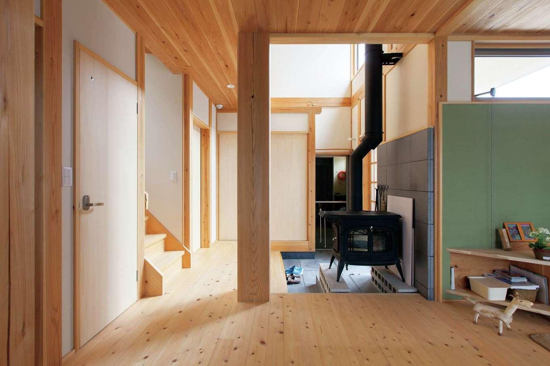 薪の効果は絶大。夜、薪をくべると朝起きた時に家中がほんわか暖かい