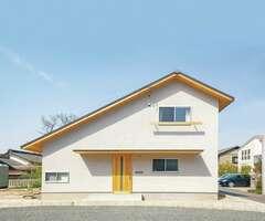 コンパクトに建てて豊かに暮らす自然素材の家