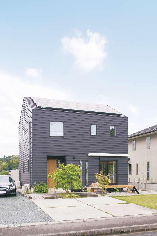 原田工務店【デザイン住宅、自然素材、省エネ】軒や樋がない、シンプルですっきりした外観