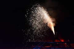 手筒花火が夏の夜を彩る、湧水まつり
