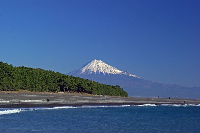 世界遺産に登録された三保松原(写真提供:静岡市)