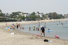 夏は海水浴が楽しめる(写真提供:湖西市)